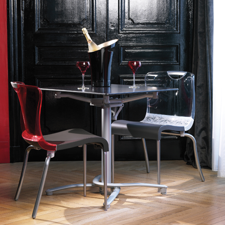 Bar Chairs and Dining Chairs for Restaurant Use